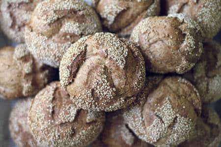 Pan multigrano: una opción saludable y genial para tu desayuno