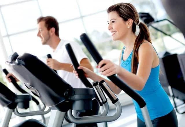 ¡Claro que es posible entrenar todo el cuerpo evitando un impacto fuerte!