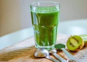 kiwi-+-spirulina-smoothie