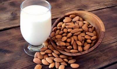 leche de almendras proteínas