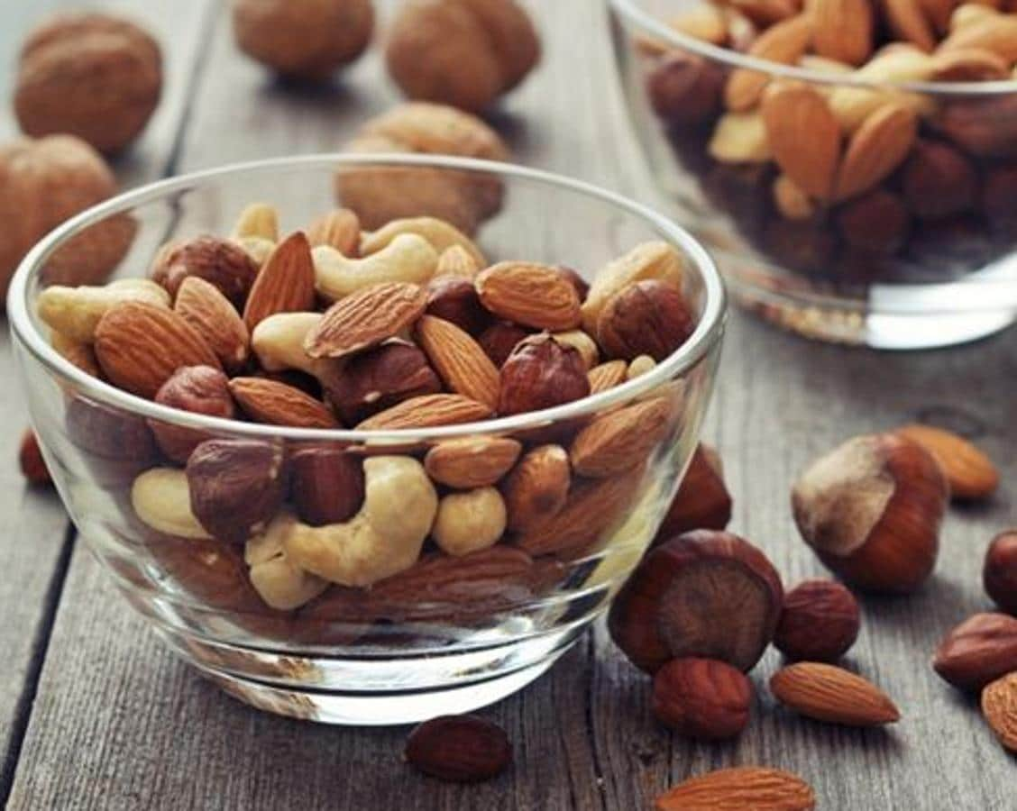 Frutos secos nueces y almendras